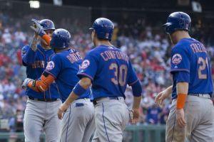 Mets propina paliza histórica a Philadelphia que se quedó sin pitchers
