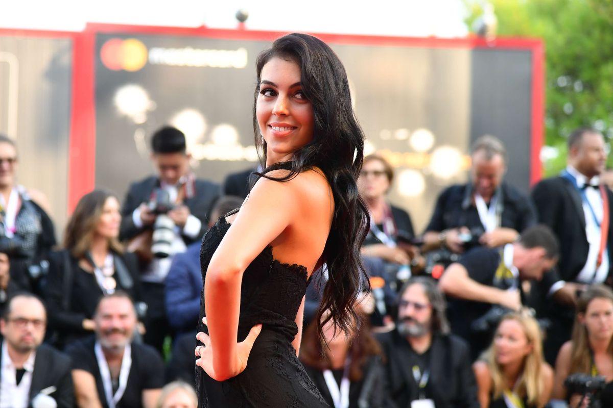 Revienta Instagram ante la señal obscena de Georgina Rodríguez, la amada de Cristiano Ronaldo