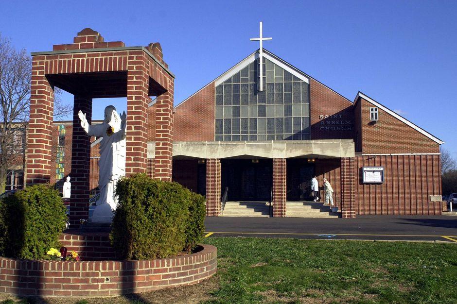 """Más de 300 """"sacerdotes depredadores"""" abusaron de 1,000 menores en Pennsylvania"""