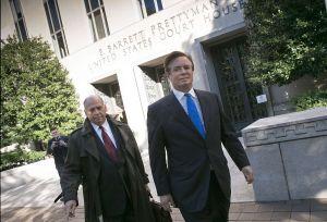 Jurado declara culpable de ocho cargos a exjefe de campaña de Trump