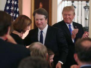 Activistas urgen al Senado que rechace la confirmación del juez Brett Kavanaugh en el Tribunal Supremo