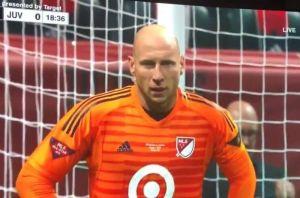 Juego de Estrellas MLS: Brad Guzan fue portero y comentarista ¡al mismo tiempo!
