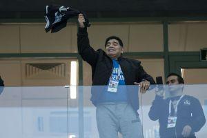 Maradona arremete contra la prensa y se candidatea como técnico de Argentina