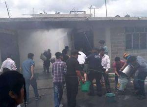 Dos menores mueren en incendio en México, su mamá los dejó encerrados en casa
