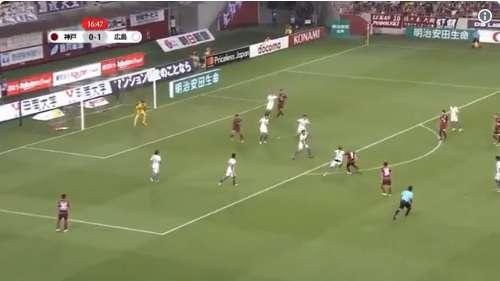Andrés Iniesta consiguió otro golazo en la Liga de Japón