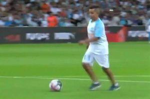 Viral: El gol y el festejo del niño que no se conformó con un simple saque inicial