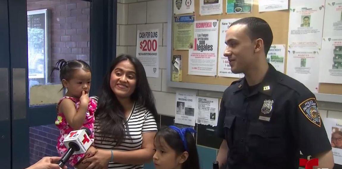 Policía hispano salva vida de niña y madre le pide ser su padrino