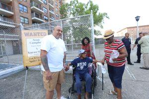 Exigen poner fin a acoso de inquilinos en edificio de El Bronx