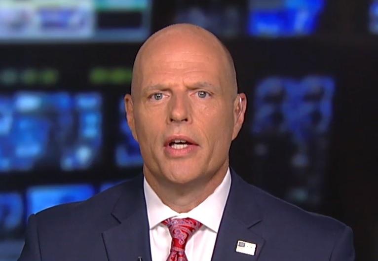 Nuevo director de ICE afirma que sacará ventaja de posición de Trump sobre inmigración
