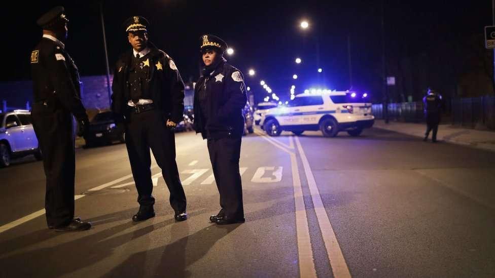 En Chicago hay iniciativas que tratan a la violencia como a una epidemia.