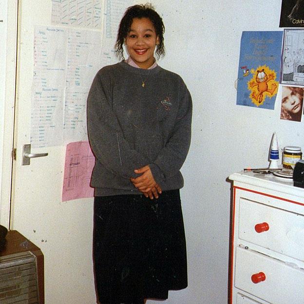 Naomi Jacobs, la mujer que se acostó con 32 años de edad y se despertó con 15