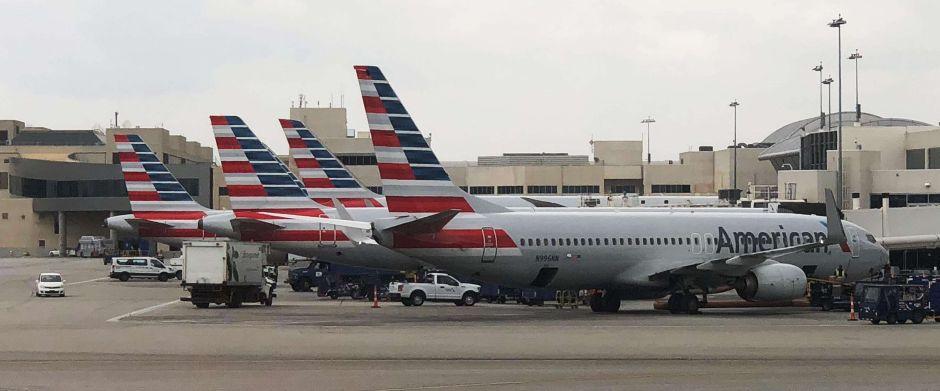Aerolíneas cancelan 95% de vuelos en aeropuertos de NYC por el coronavirus