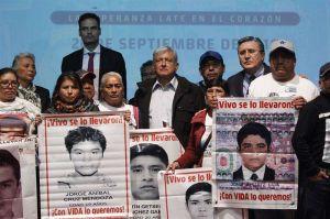 A cuatro años del caso Ayotzinapa, López Obrador promete indagar a militares