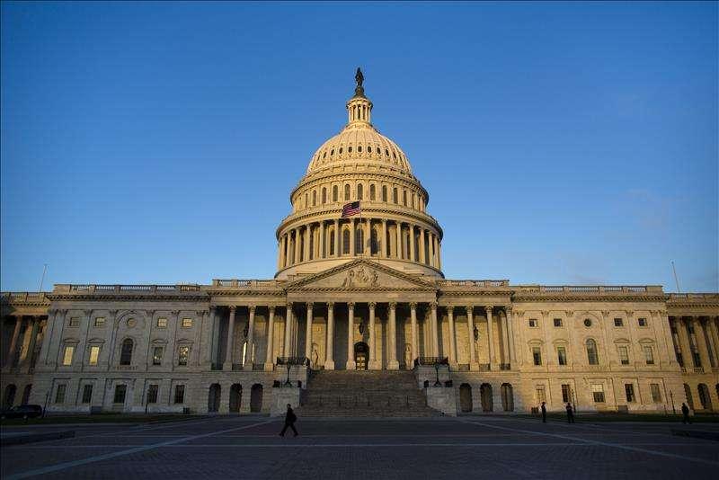 Los senadores republicanos que le darían muerte a nuevo paquete de estímulo con cheques de $1,200