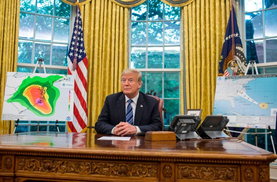 Trump lo vuelve a hacer: desata burlas por sus expresiones sobre huracán Florence