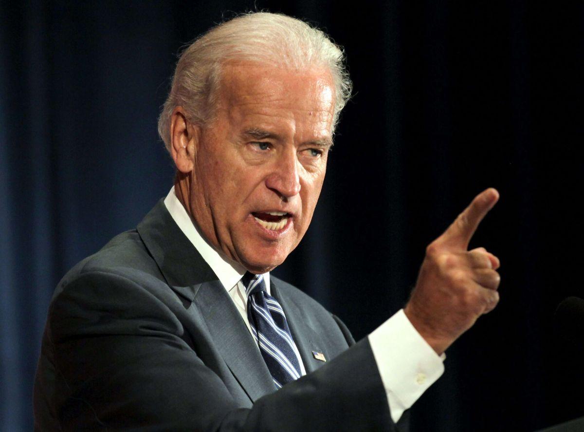 """Joe Biden critica a Trump por """"atacar la dignidad de los hispanos"""" y propone reforma migratoria integral"""