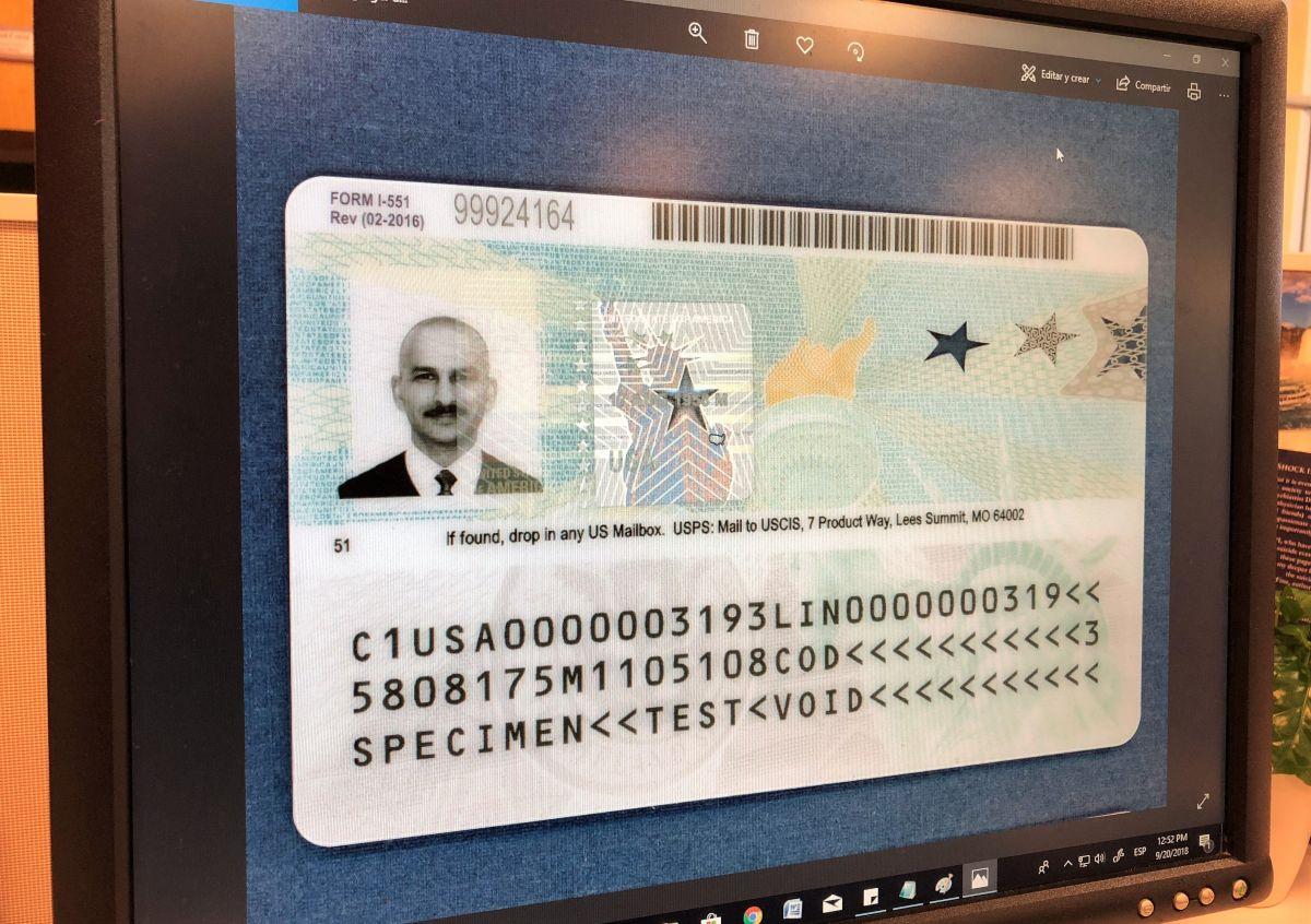 """Los 3 errores que un inmigrante con """"Green Card"""" no debe cometer"""