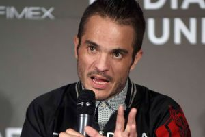 Kuno Becker en polémica por recrear video de Vicente Fernández 'tocando' a una fan