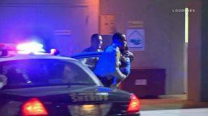 Detienen a un auto por infracción de tráfico y acaban salvando un bebé que no respira