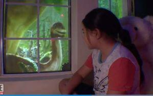 Un padre construye una habitación para su hija con dinosaurios y fuegos artificiales