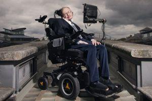 """La última investigación de Stephen Hawking: Los agujeros negros con """"pelo suave"""""""