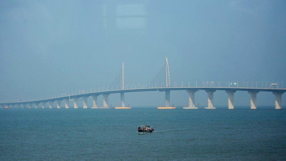 China inauguró el puente más largo del mundo sobre el mar, esto es lo que tiene que saber