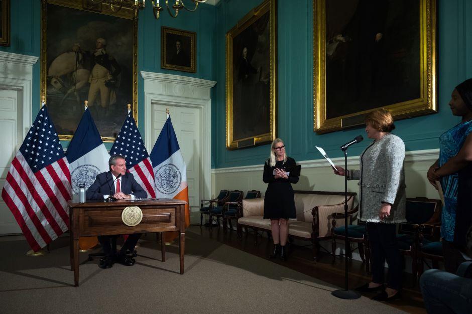 Neoyorquinos podrán elegir tercer género 'X' en partidas de nacimiento