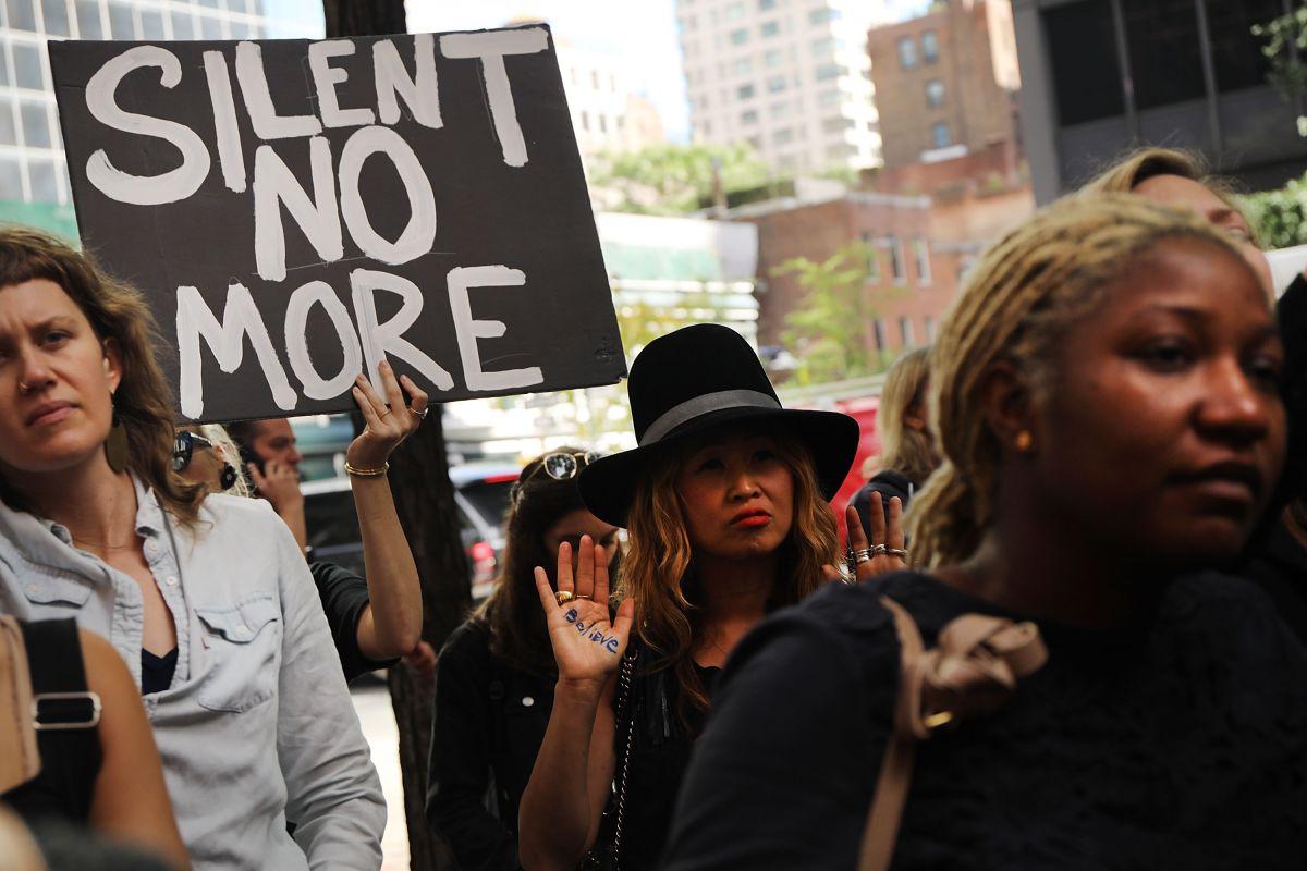 Aprueban cambios para reforzar leyes contra acoso sexual laboral en NY