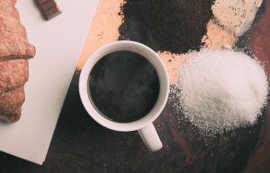 Por qué los endulzantes sin calorías pueden ser peores que la misma azúcar