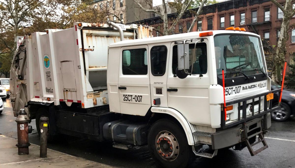 Camión de recolección de basura.