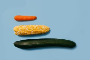 4 razones por las que insertar frutas y verduras en la vagina no es buena idea
