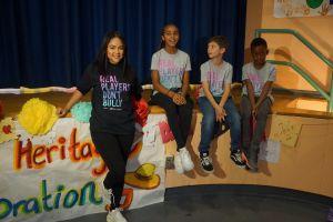 Cantante dominicana Kat DeLuna lucha contra el bullying en Nueva York