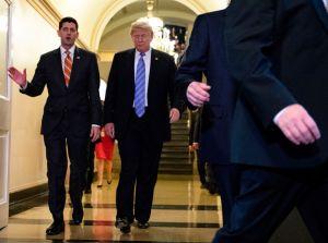 Paul Ryan para en seco a Trump sobre quitar derecho a ciudadanía a hijos de indocumentados