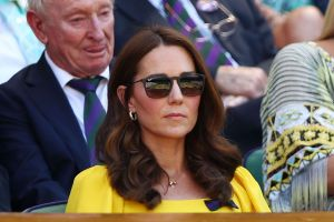 Kate Middleton, duquesa de Cambridge, está en problemas por culpa de su madre