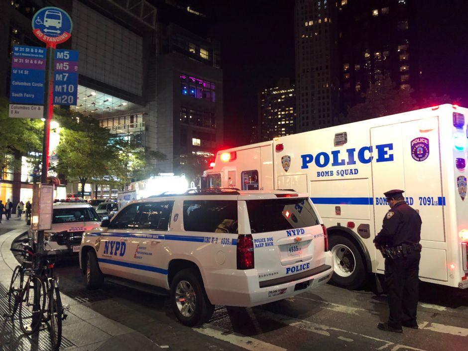 Detective de NYPD fue muerto aparentemente por fuego amigo durante un robo
