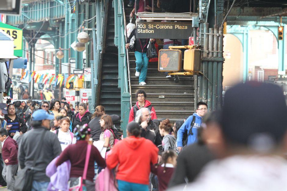 Ecuatorianos siguen creciendo en vecindarios latinos de Queens