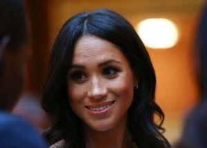 Vergonzoso: Echan del palacio real a Samantha, la hermana de Meghan Markle, que llegó en silla de ruedas