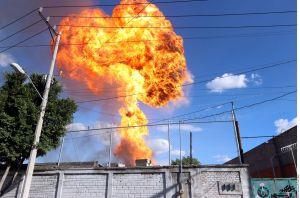 Video capta impresionante estallido de fábrica en la Ciudad de México
