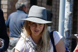 Shakira: Sexy y atrevida en entallado traje de 'surfer'