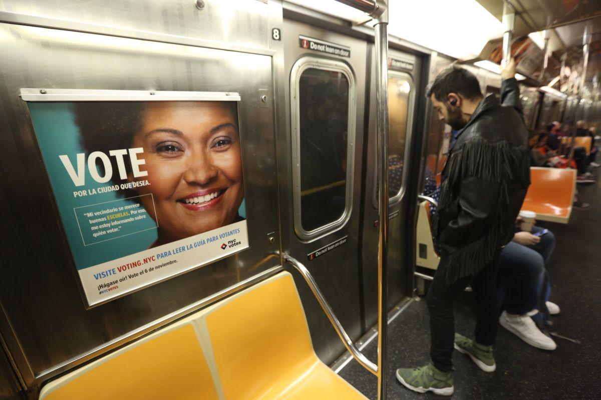 Aviso para votar en el Metro de Nueva York.