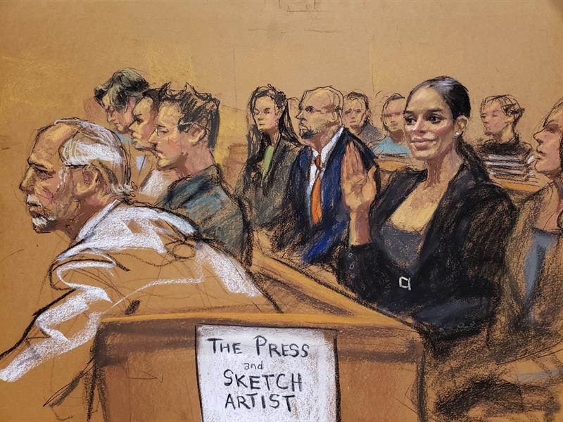 """El """"beso"""" de """"El Chapo"""" a su esposa Emma Coronel en primer día de juicio en Nueva York"""