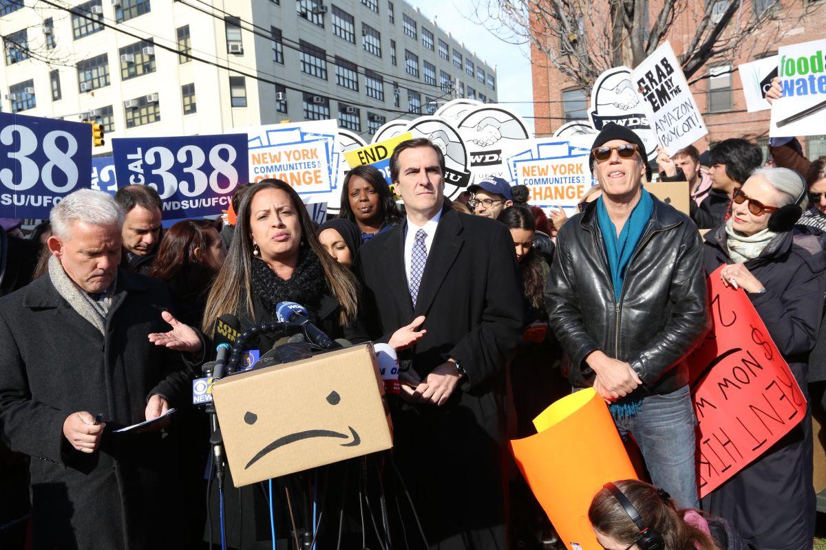 Amazon anuncia nueva sede en Nueva York; Ocasio-Cortez reacciona con ironía