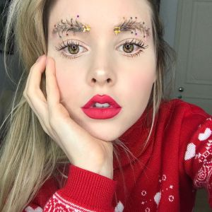 Las cejas decoradas para Navidad son la nueva tendencia en Instagram
