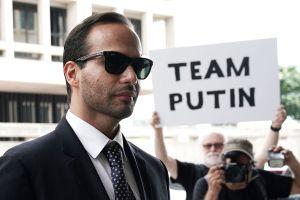 Exasesor de Trump inicia sentencia en prisión negando vínculos con trama rusa