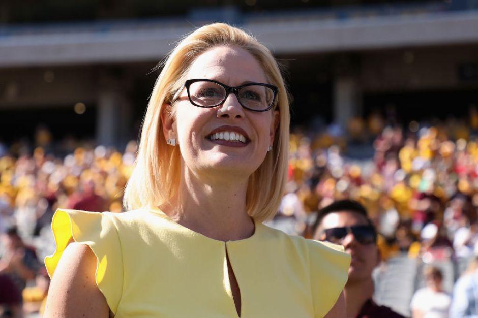 Demócrata Kyrsten Sinema gana contienda por el Senado de EEUU en Arizona