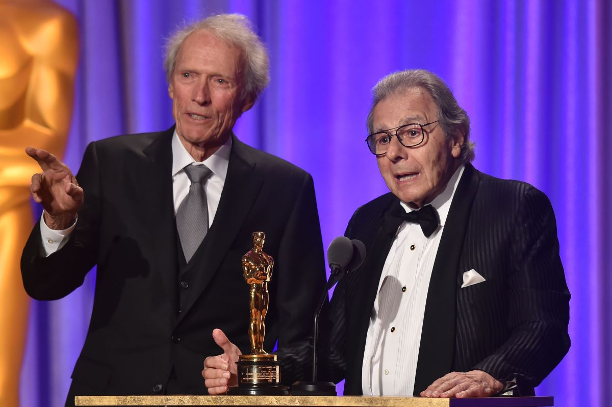 Clint Eastwood presentó al ganador argentino Lalo Schifrin.