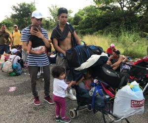"""Indígenas mexicanos impulsan su caravana: """"tampoco tenemos casa ni alimento"""""""
