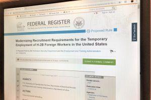 Administración Trump endurece requisitos para visas de trabajadores extranjeros