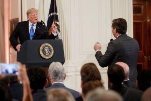 La nueva manipulación de la Casa Blanca para justificar suspensión de credencial a Jim Acosta