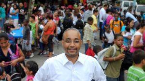 Lamentan en Queens la muerte repentina del senador José Peralta